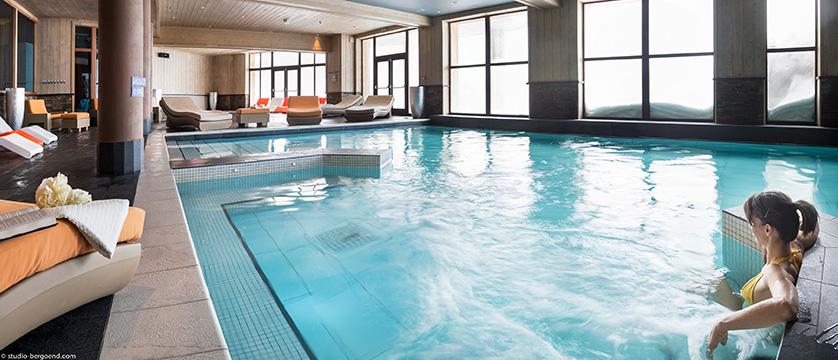 france_portes-du-soleil_avoriaz_l'amara-apartments_indoor-pool2.jpg